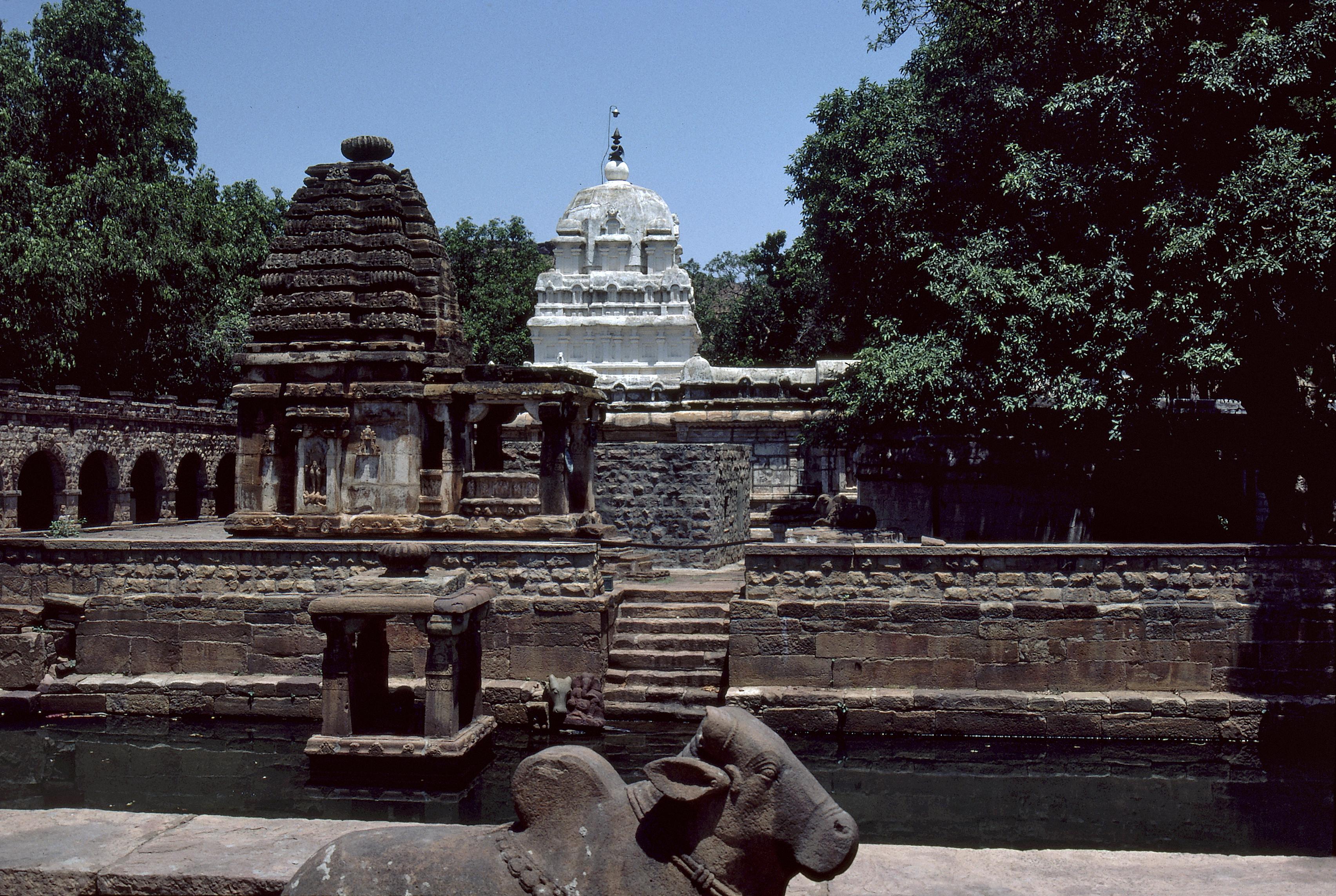 Nāgara and Drāviḍa temples, Mahakuta, Karnataka. Photo courtesy of the  American