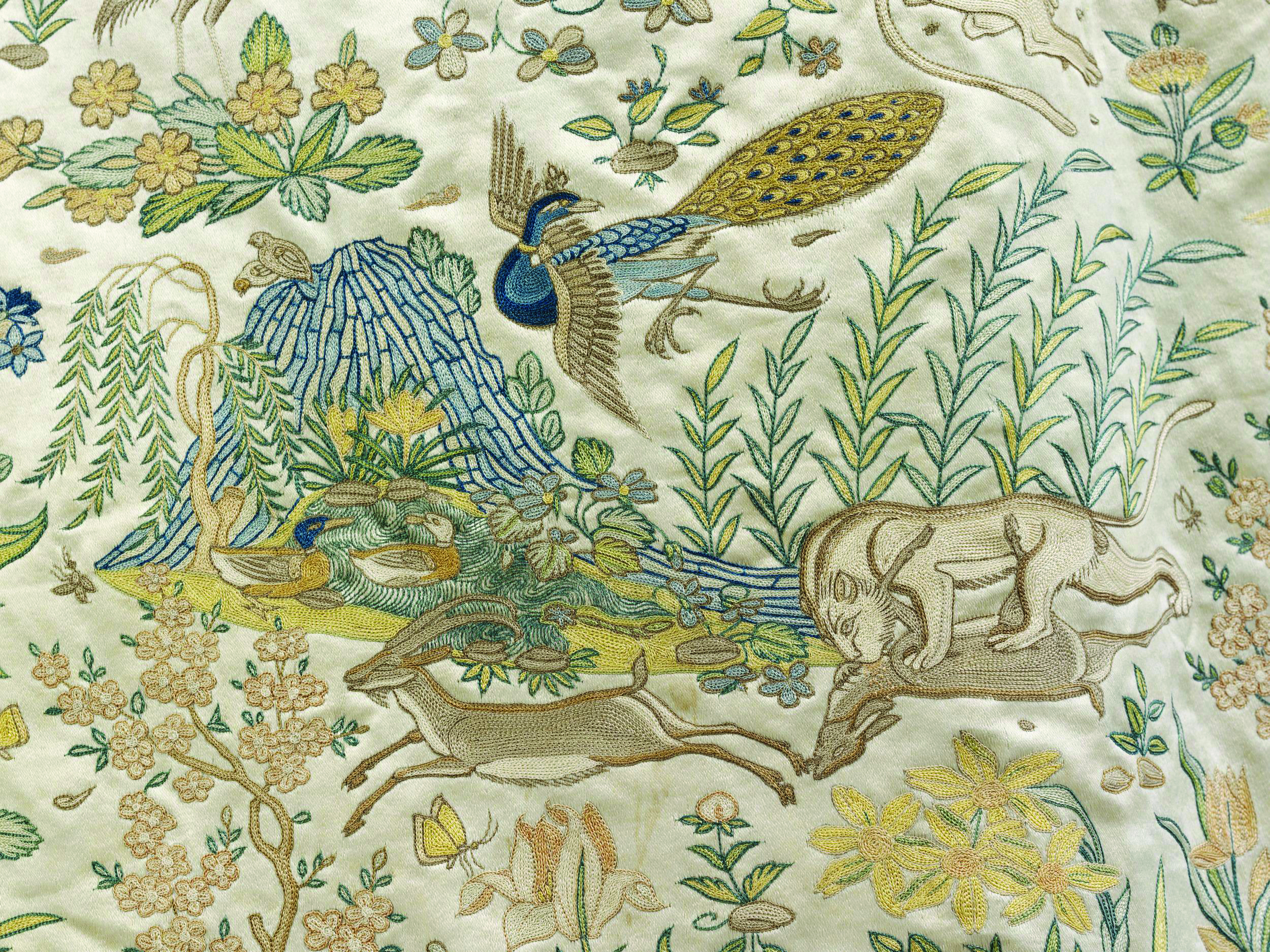 The Emperor's Humbler Clothes: Textures of Courtly Dress in
