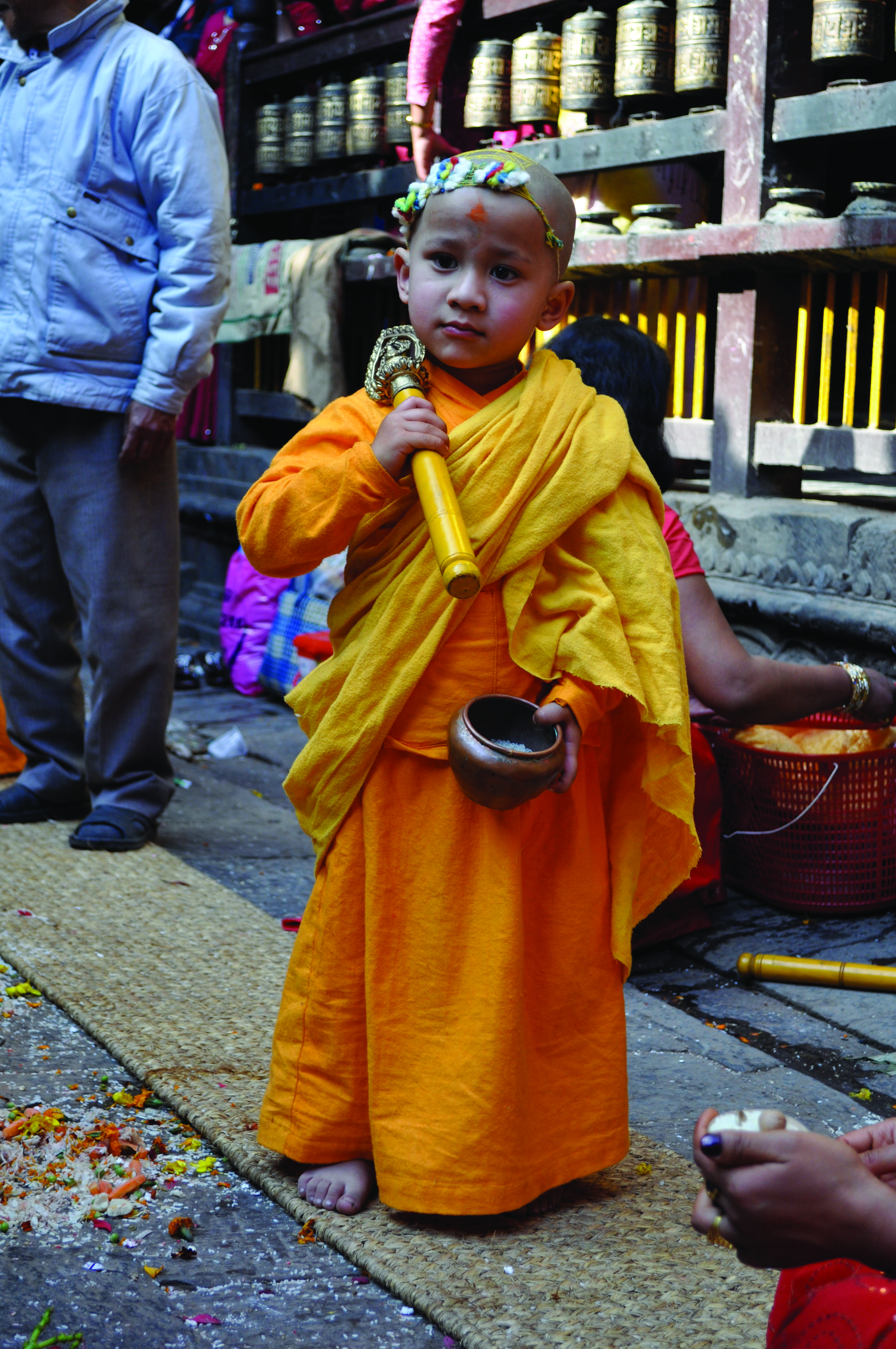 Adorning the Buddhas: The Ceremonial Regalia of the Daśa
