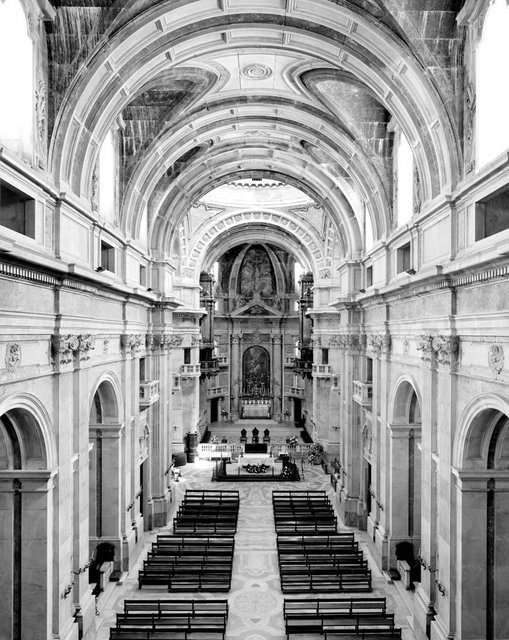Hofer, Candida, Germany, born 1944. Basilica de Palacio Nacional de Mafra, 2006. C-print, 254.95 x 204.79 x 5.4 cm. Museum purchase made possible by the W. Hawkins Ferry Fund, 2007/2.15