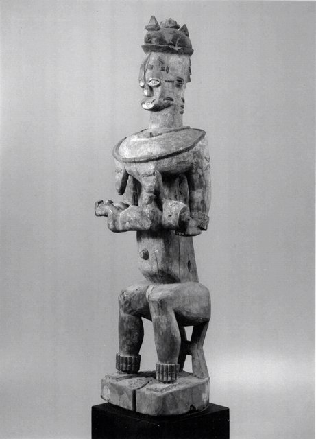 Urhobo Peoples, Akpojivi of Orhokpokpo. Shrine Figure (edjo), 1900-1950. Wood, pigment, 184.15 x 43.18 x 40.64 cm. Gift of Robert and Lillian Montalto Bohlen, 2006/2.73