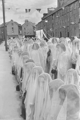 Fig. 3.:  Cartier-Bresson, Corpus Christi Procession, 1952.