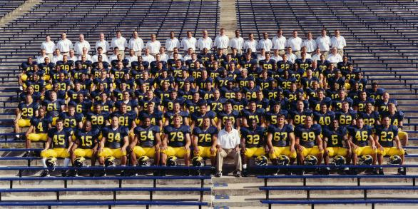 2000 football team photo
