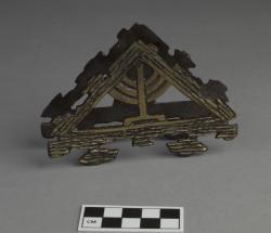 Napkin or letter holder; brass, 4.5