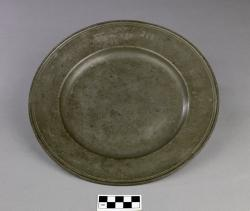Antique Plate; pewter, with Hebrew inscription