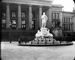 Schiller statue and Court Theatre