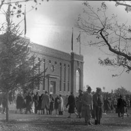 Bentley Image Bank Bentley Historical Library Fans At Michigan Stadium Behind Press Box Um Football Homecoming Vs Illinois 1930