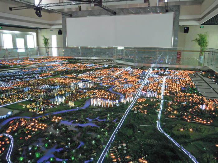 A county government showcases its urban development plans (Chengdu, Sichuan).
