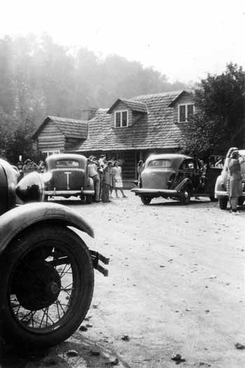 Figure 4. Visitors parked their cars in front of the Lincoln Tavern, where gasoline was also available, ca.1930s. Photo courtesy Mary Brooks Howard.