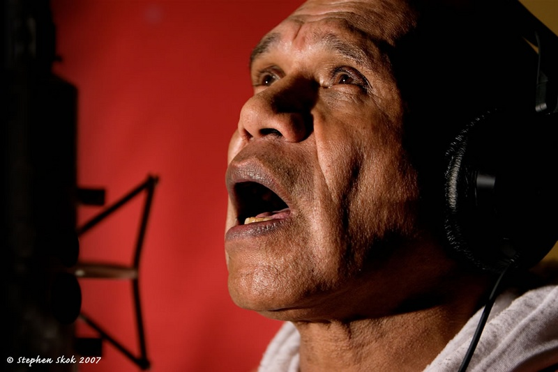 Figure 3. Archie Roach: (http://www.brisbanepowerhouse.org/generated/images/archie-180807skok_w800_h600_fit.jpg)