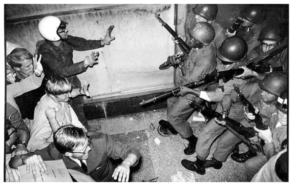 Image 1 Protesters Clash With National Guard Chicago 1968