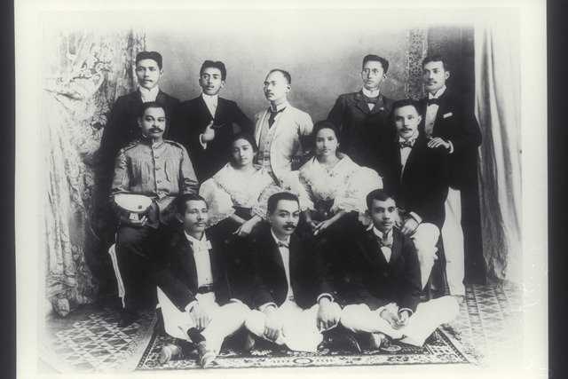 Philippine Independence Movement group portrait, 1920-1930.
