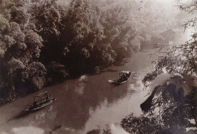 Fig. 12: Hu Boxiang 胡伯翔 (1896-1989), Untitled [Boats on the River], ca. 1930s. Gelatin silver print. Private Collection.