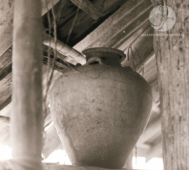 Figure 16: A spirit jar, according to legend inhabited by spirits that can be heard whispering at night, Long San, 1968. Photograph from the archive of the Sarawak Museum.