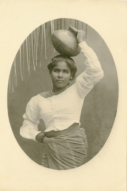 Fig. 2. Plâté & Co. Singhalese Girl, Carrying Water Chatty on Head. Photo courtesy of the collection of Dr. Helga Wall-Apelt, TR2007.2823.178, Sarasota, Florida.