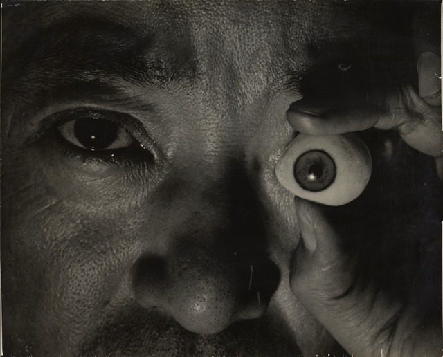 Fig. 20. Self-portrait (1940), by Kansuke Yamamoto, gelatin silver print, © Toshio Yamamoto, private collection, Tokyo Metropolitan Museum of Photography.
