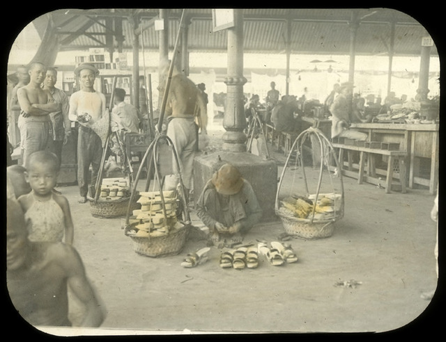 Fig. 7. Clog seller, early 1900s, from the Percy Hill Collection. (All rights reserved, Margaret Ryan and National Library Board, Singapore 2009)