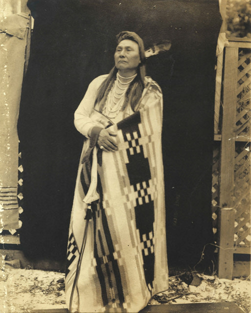 Fig. 6. Lee Moorhouse, Nez Perce Chief Joseph poses in blanket outdoors, 1901. University of Washington Libraries, Special Collections, NA 605.