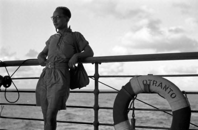 Fig. 23. Jin Shisheng, Return (self-portrait on the deck of the returning ferry), 1946, gelatin silver print, courtesy of the estate of Jin Shisheng.
