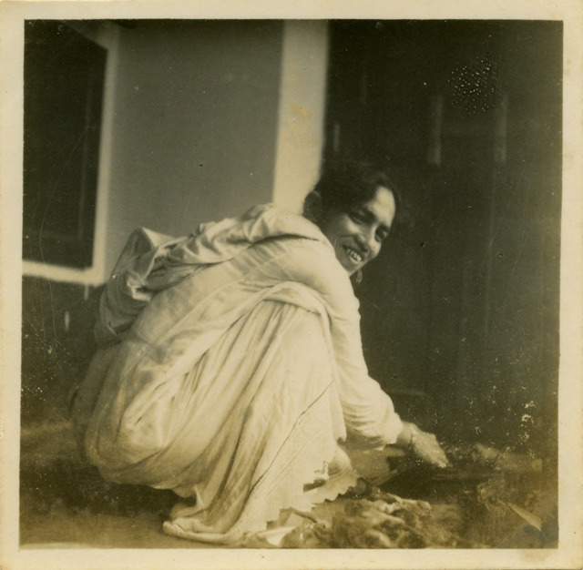 Fig. 7. Haleema Hashim, Zuleikha Usman, 1950s, 6.35 x 6.35 cm., courtesy of Nihaal Faizal.