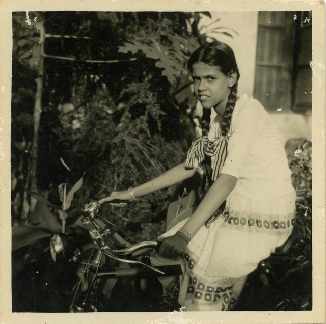 Fig. 8. Haleema Hashim, Selma Rehman, 1950s, 6.35 x 6.35 cm., courtesy of Nihaal Faizal.