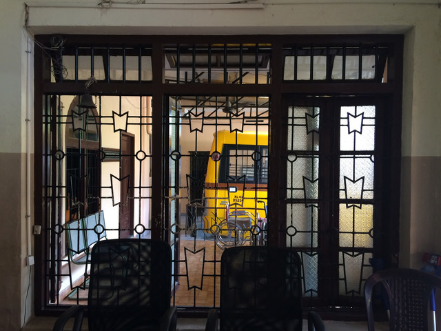 Fig. 32. Window on the ground floor of Yasmin Manzil in 2016, photograph by author.