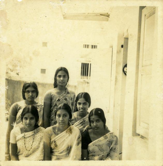 Fig. 36. Haleema Hashim(?), Yasmin Ismail and friends, 1960s, 6.35 x 6.35 cm., courtesy Nihaal Faizal.