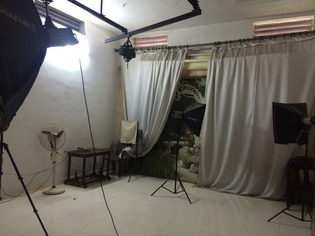 Fig. 41. Studio area of photo studio in Ernakulam, 2016, photograph by author.