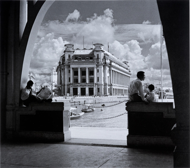 Fig. 9. This classic photo superbly evokes the port of Singapore in the 1950s. It shows the Fullerton Building, taken in 1957 from Clifford Pier. Marjorie Doggett, © National Archives of Singapore.
